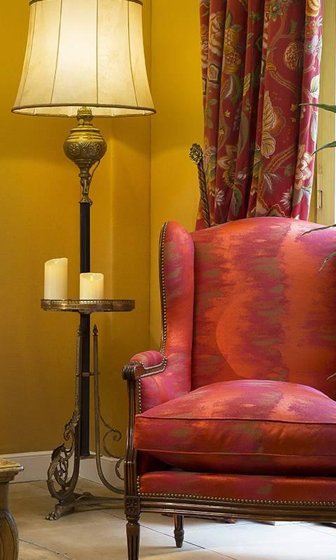 Red armchair hotel paris 1