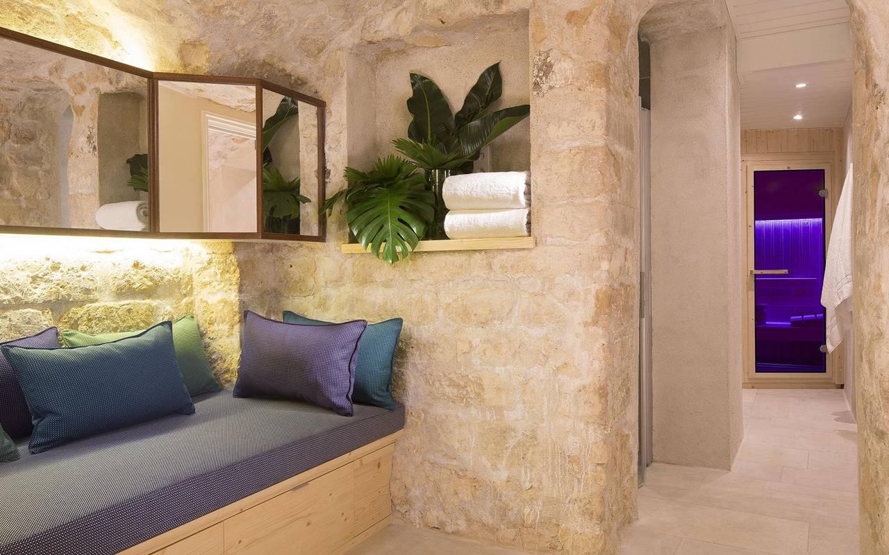 Luxurious spa hotel paris louvre