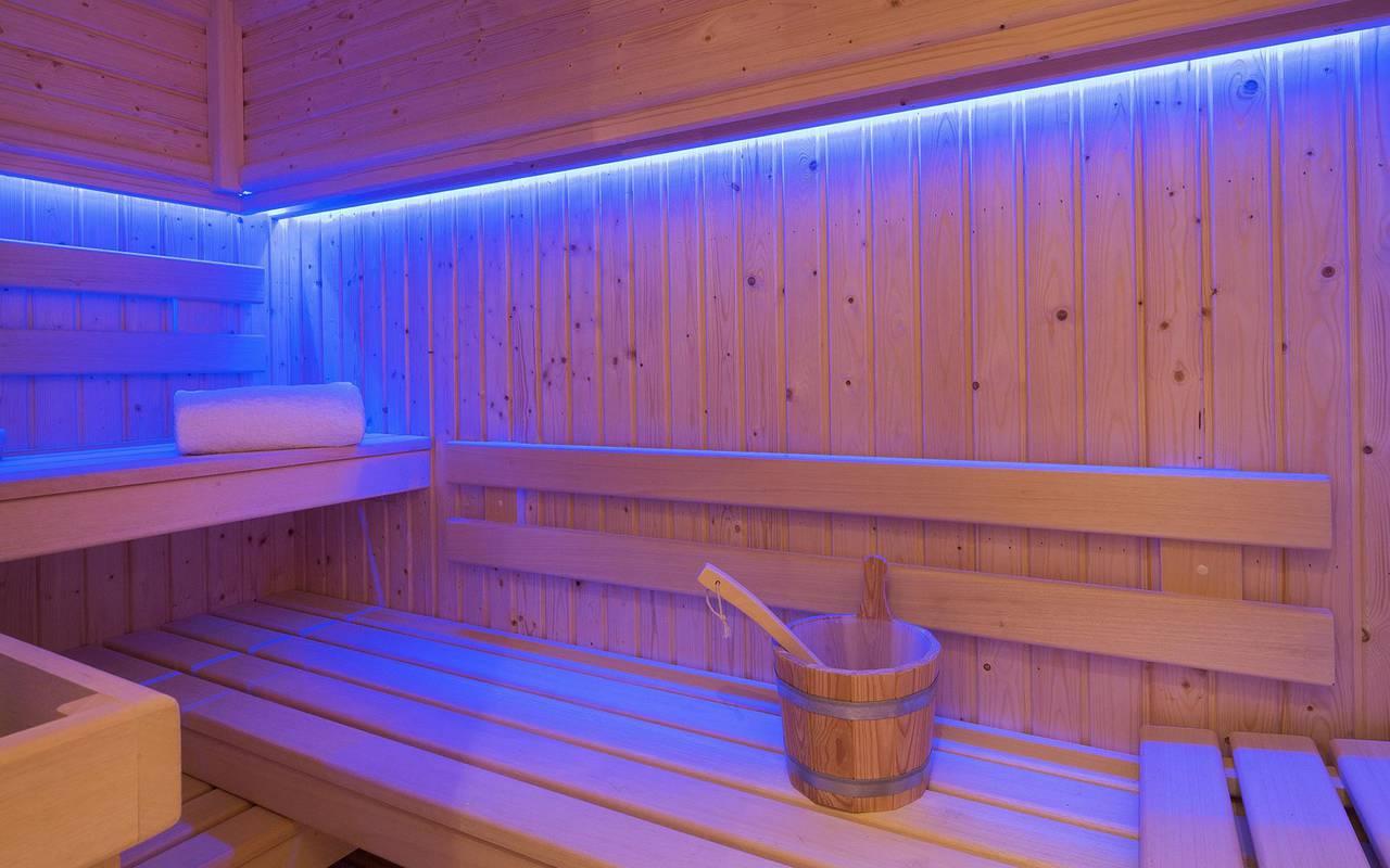 Cozy and luxurious sauna hotel paris louvre