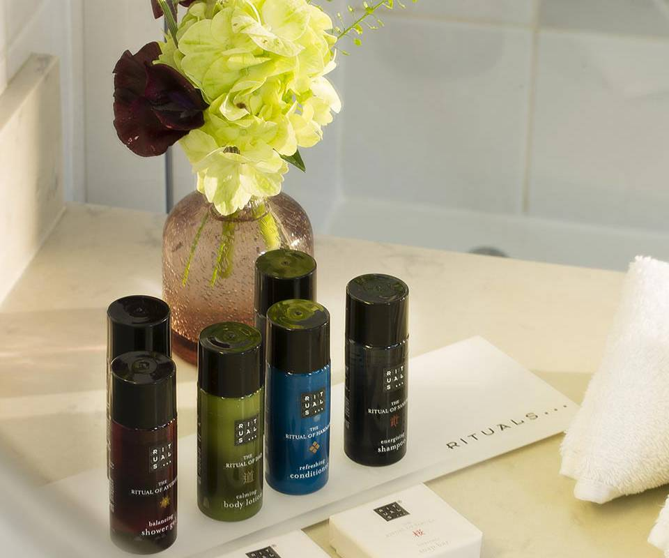 Hotel Saint-Honoré Paris high end welcome products
