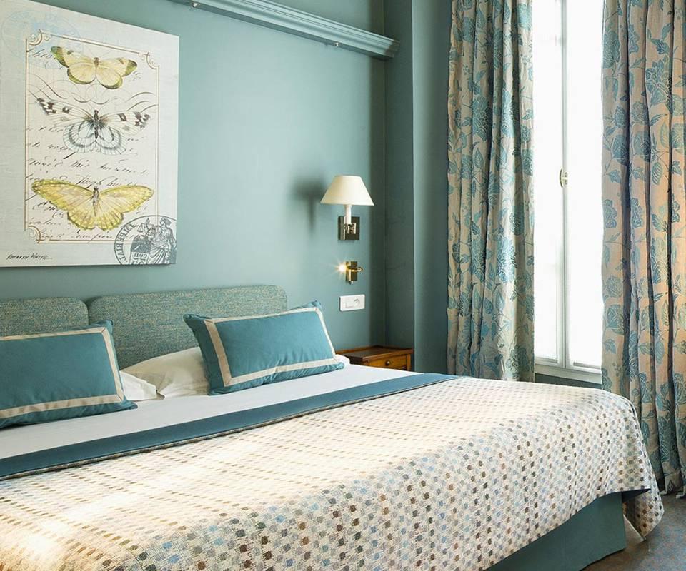 Cozy spacious room hotel rue saint honore