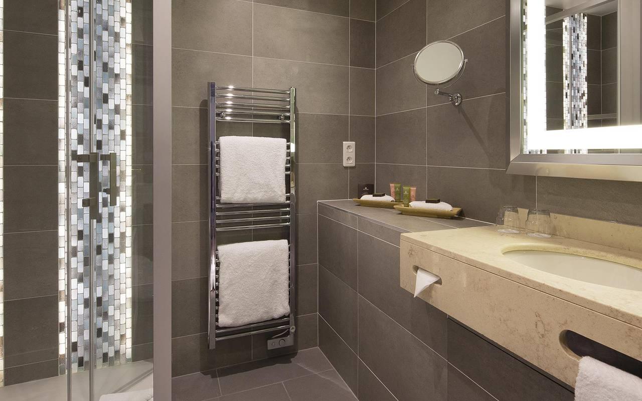Salle de bain luxueuse hotel rue saint honore