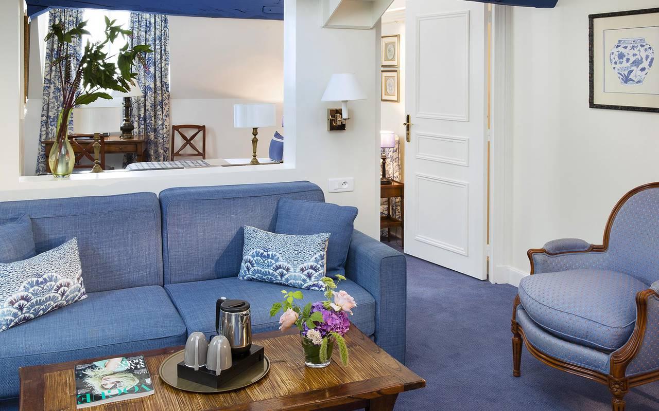 Salon cosy et confortable hotel rue saint honore