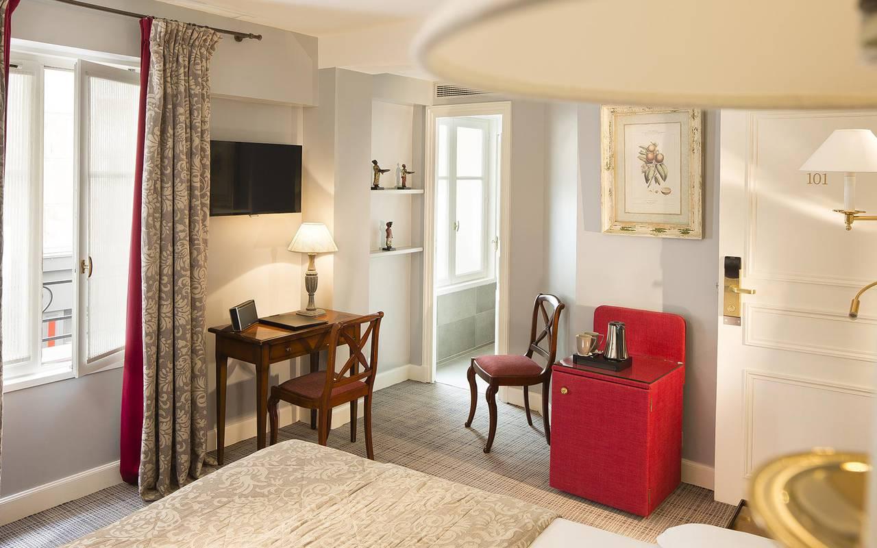 Chambre double avec télévision hotel rue saint honore