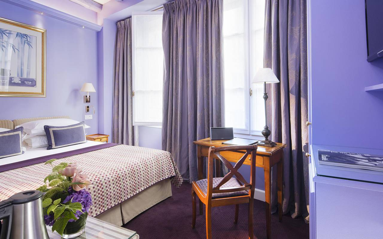 Chambre double tradition violette hotel rue saint honore