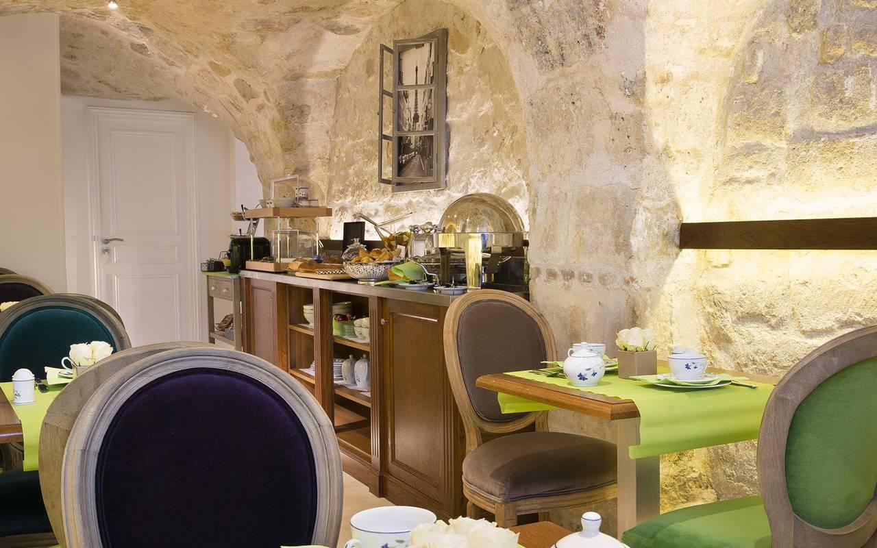 Salle de petit déjeuner hotel paris louvre