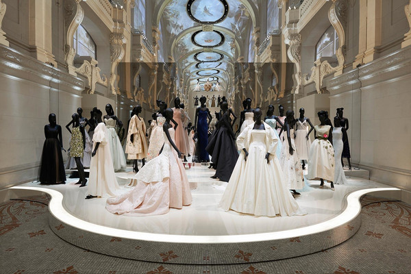 Christian Dior Dream Couturier At The Museum Of Decorative Arts